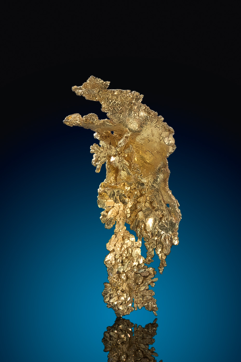 Elongated Natural Leaf Gold Nugget Crystal - Round Mountain