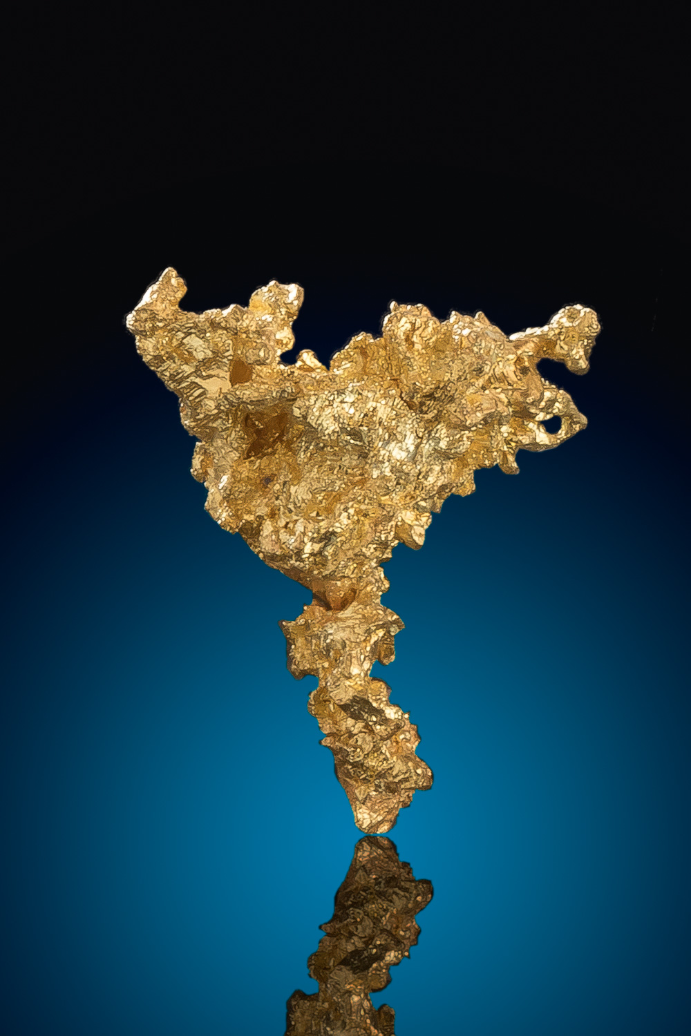 Triangular Crystalline Gold Nugget from the Eagles Nest Mine