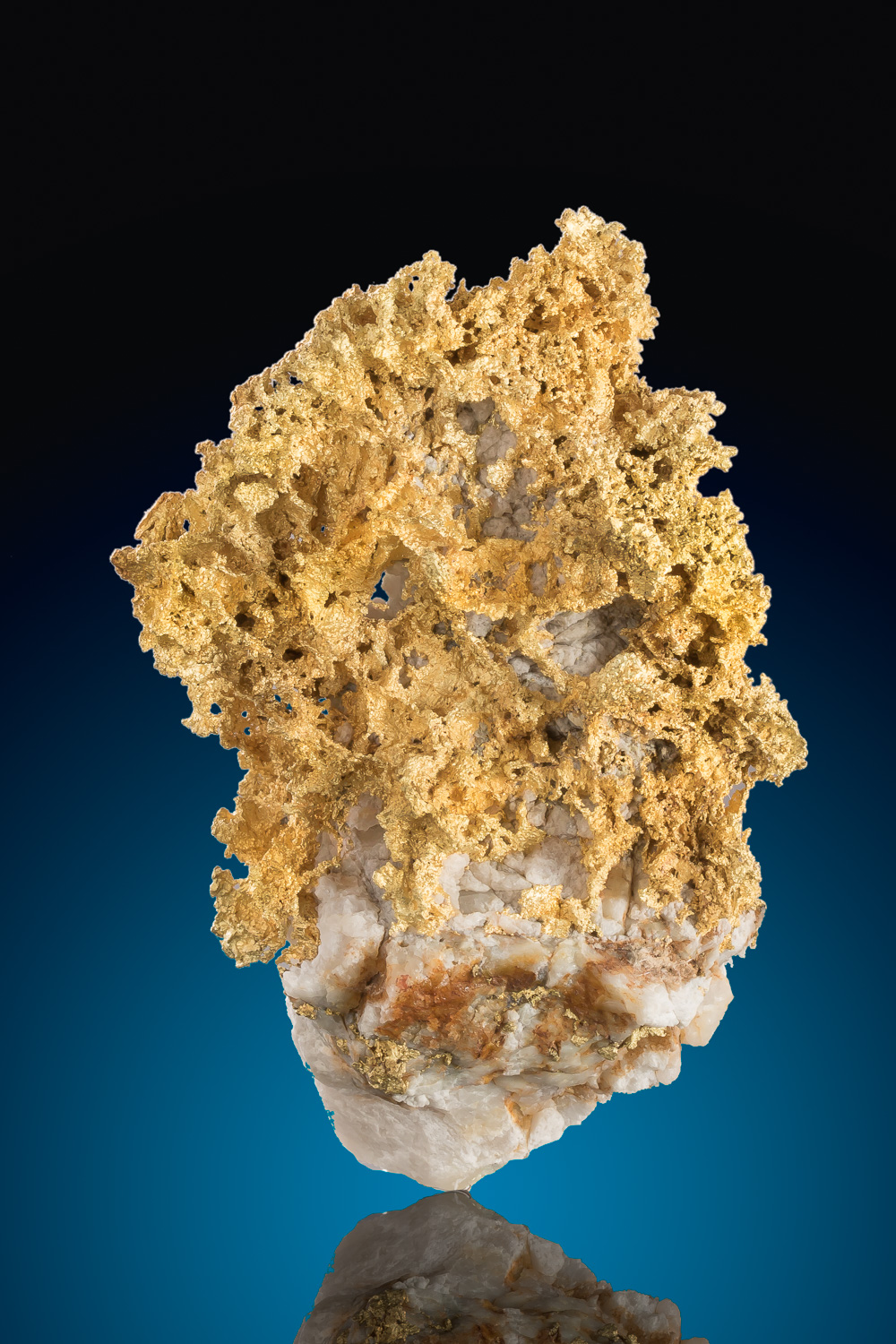 Rare Nevada Crystalline Gold In Quartz Specimen 5 200 00 Natural Gold Nuggets For Sale Buy Gold Nuggets And Specimens The Finest Jewelry Investment Grade Gold Nuggets From Around The World