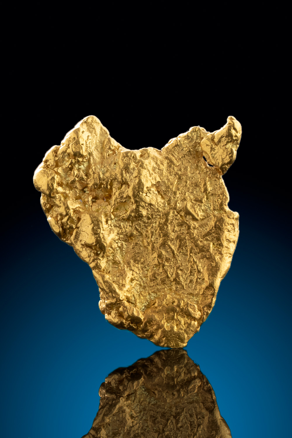 Brilliant Triangular Natural gold Nugget from Alaska