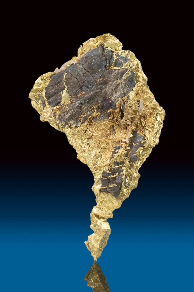 Uniquely Faceted Crystallized Gold Nugget and Arsenopyrite