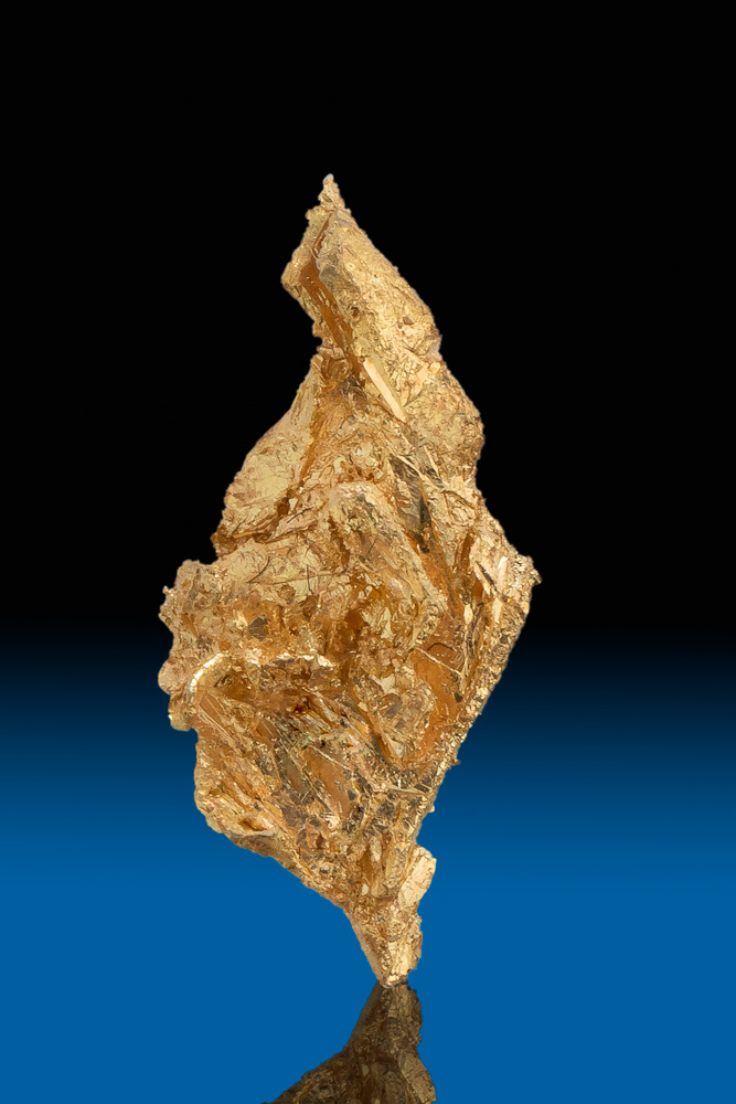 Diamond Shaped - Brilliant Gold Crystal from Round Mountain