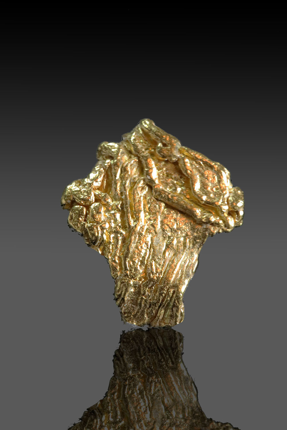 Angled striated gold specimen - Yukon