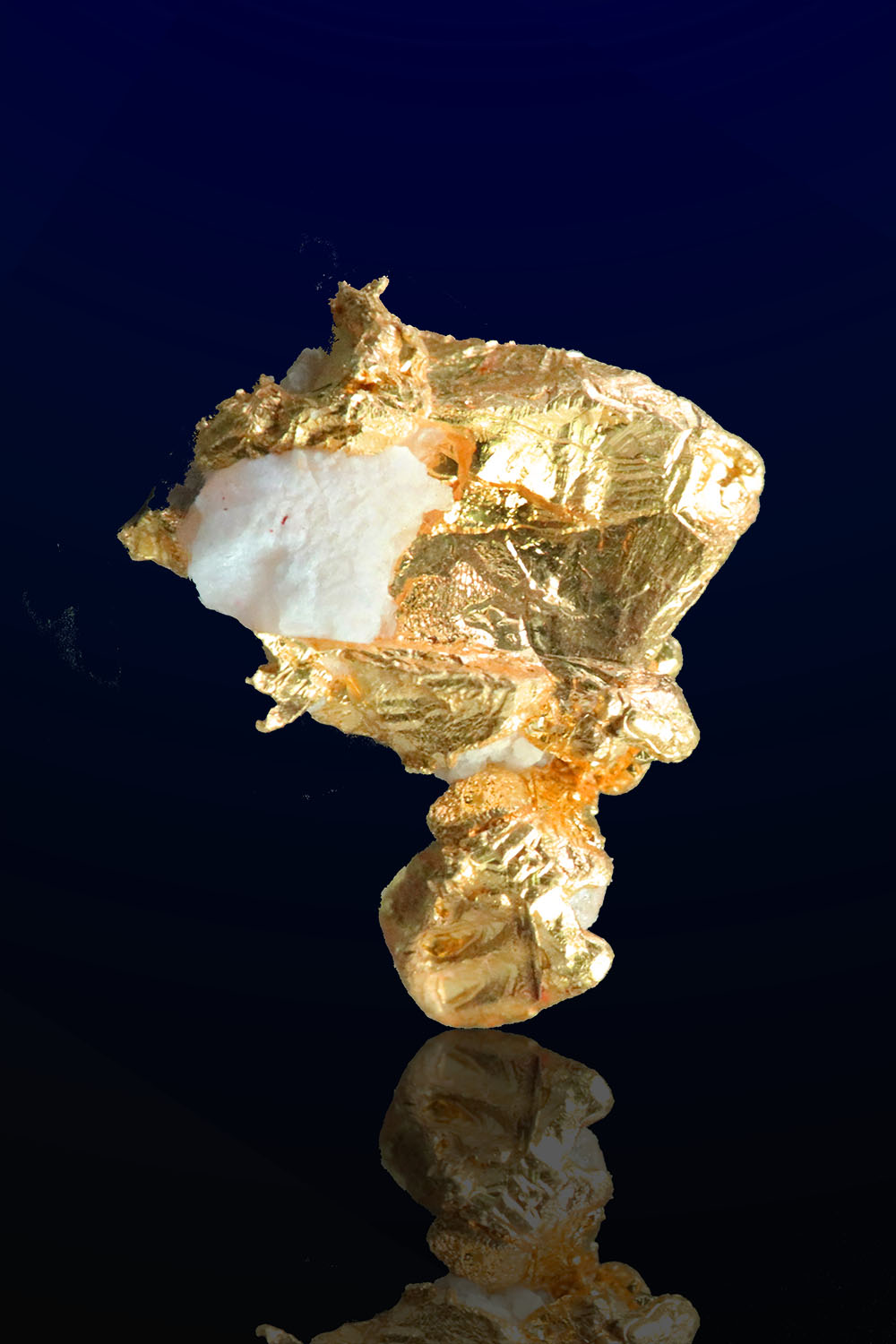 Colorado Quartz Mine - Mariposa County - Gold Quartz Crystal